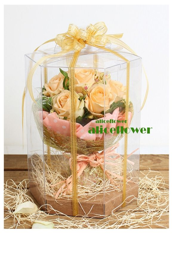 Bouquet in a Box,Orange Star Touch Roses