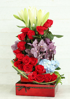 Imported Rose Arranged,Passionate Red Love