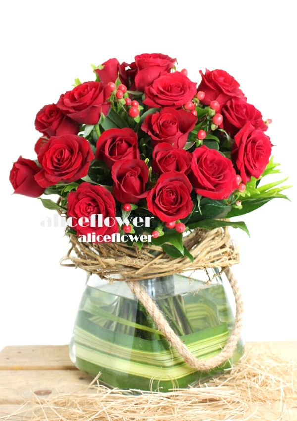 Valentine Bouquet,Deeply my Heart Red Roses