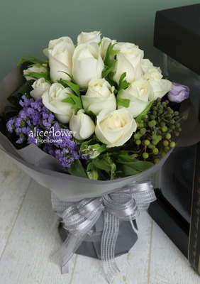 Roses Bouquet,White symphony
