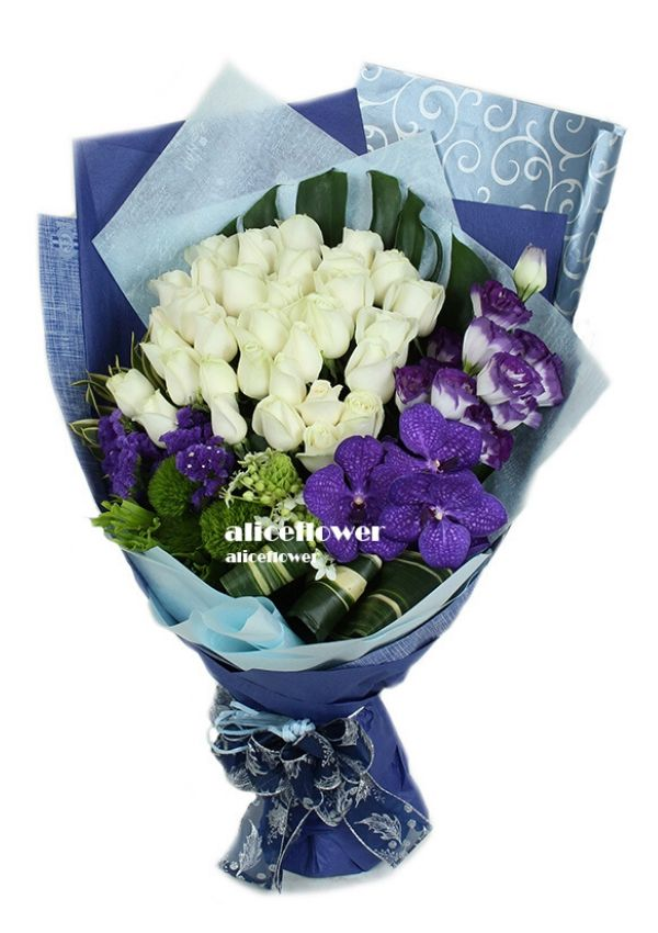 Valentine Bouquet,Blue Lover White Roses