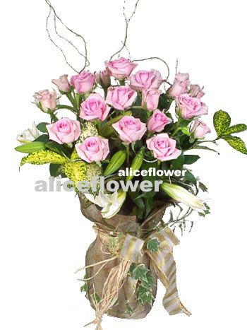Rose Love,Light pink in vase