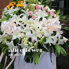 Funeral and Sympathy,Sympathy Funeral Standing Spray-Alice Florist Taipei.